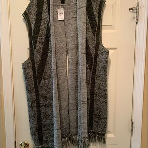 Plus size 26 split back fringe trim long vest